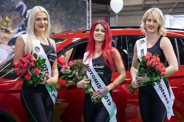 960-motomiss-2019-vasakult-roosme-p6ldma-simson